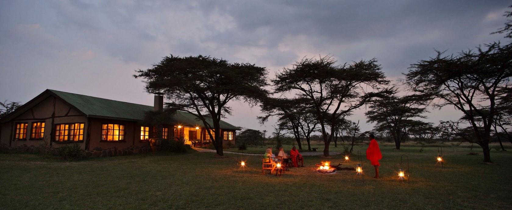 Kenya Lodge Safari group joining, Kenya Lodge Safari